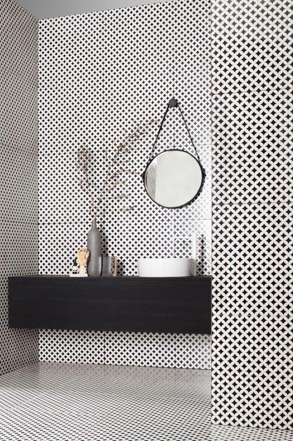 black-is-back-interior-bathroom-quarter-creativ