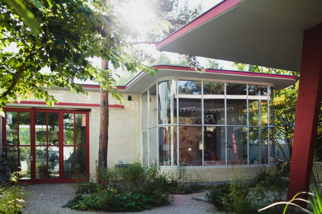 station_d_essence_annee_50_transformee_en_maison_quartier_creativ