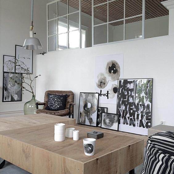 Ylva_Skarp_maison_scandinave_gris_noir_et_blanc_3_quartier_creativ